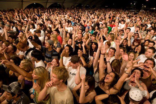 Coachella friday 24 Crowd for Aesop Rock - crowd